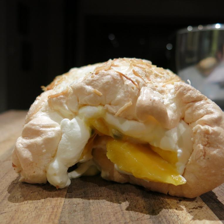 Passionfruit and Mango Pavlova Roll 08.01 (1)