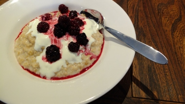 Oats with Blackberries