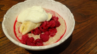 Oats with Banana and Raspberry
